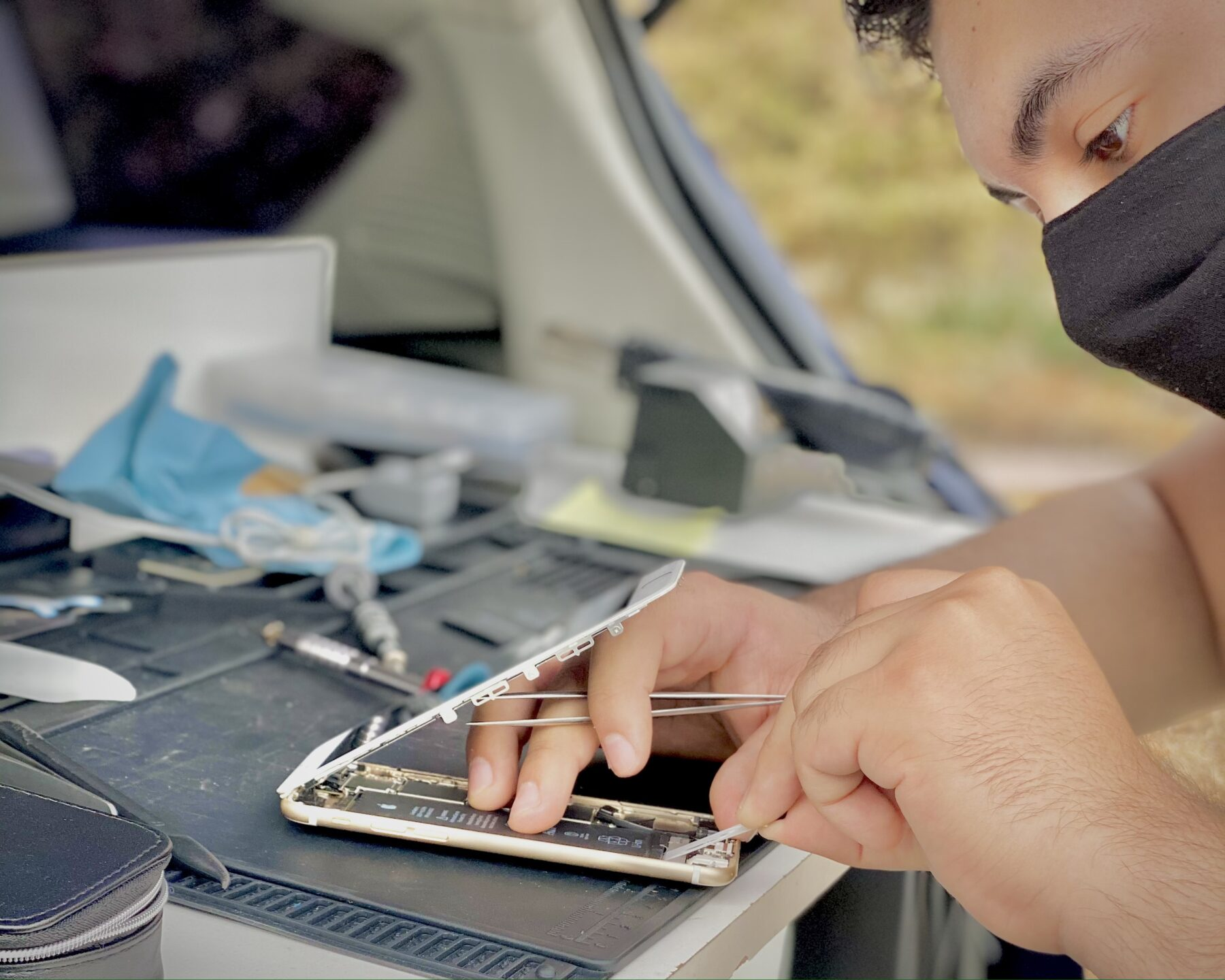 iPhone Repair Technician in sacramento elk grove roseville folsom